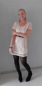 How to wear: Kanten jurkje op 4 manieren
